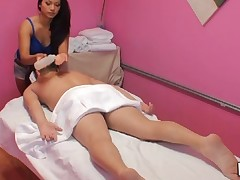 Cook Jerking and impressive sex occur during massage