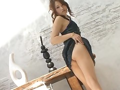 Horny Japanese chick ravishes a lusty jock with her mouth
